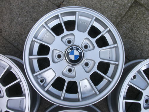 BMW%20e9%20alloys%20whole%20wheel_zpsl6d5fwkk.JPG