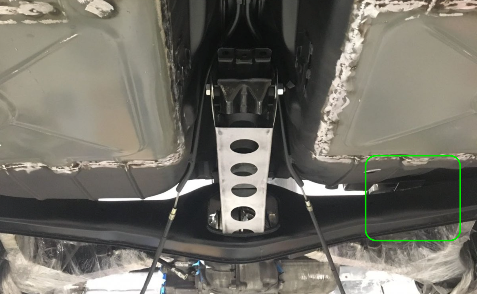 e9RearSuspensionUpsideDown.png