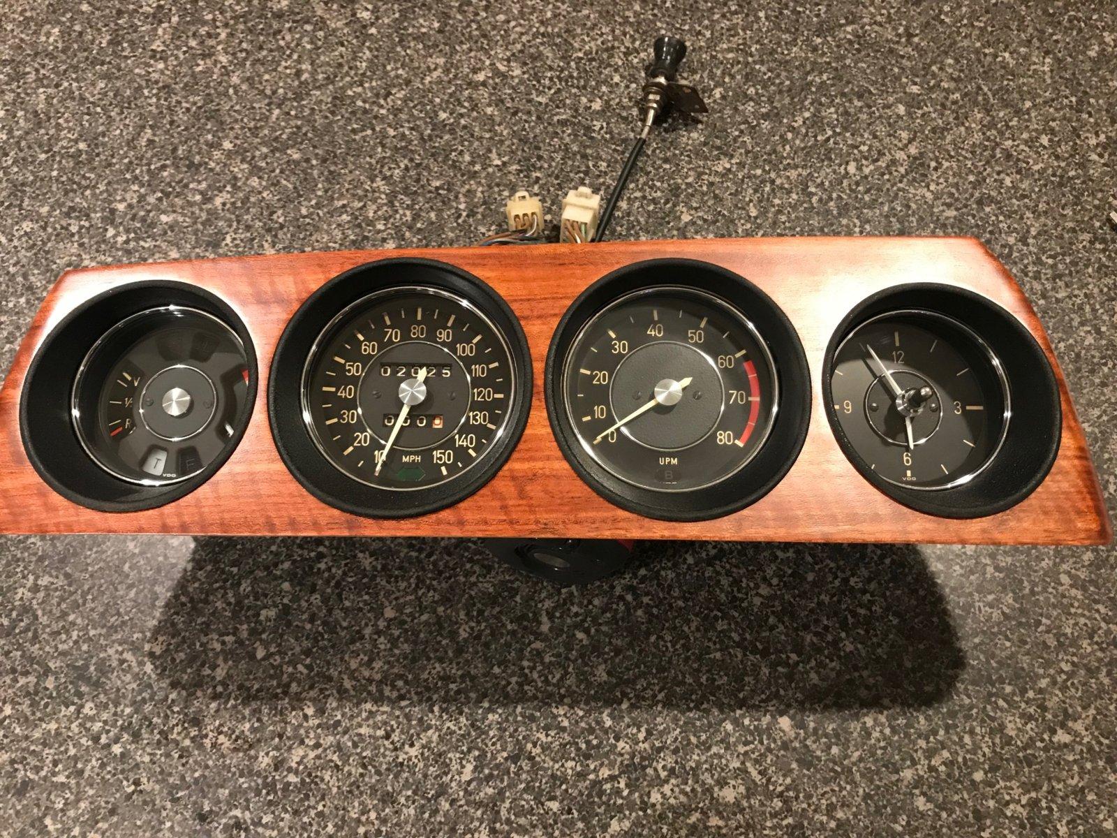 gauge cluster - redone.jpg
