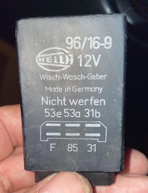 Mar 71 2800CS wiper relay.jpeg