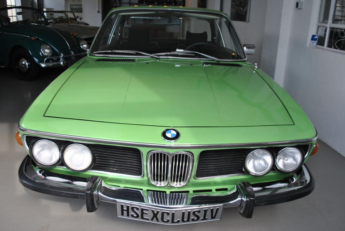 Mintgr n yes it is a factory e9 color bmw e9 coupe for Garage bmw bayern marignane